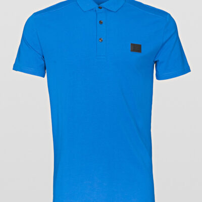 SLIM-FIT POLO SHIRT met PLAQUE DETAIL COBALT